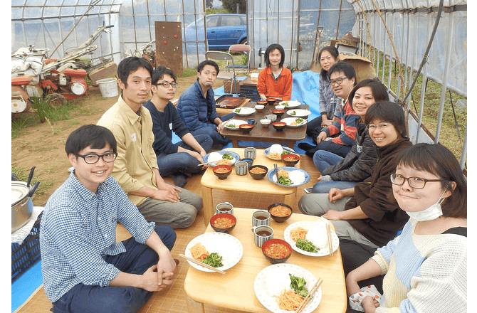 リディラバが企画した「日本の農業の「生産性」とは?小規模養豚をこぶたと学ぶ農業体験ツアー」の様子